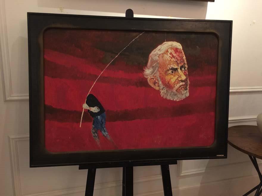Bức tranh sơn dầu Nhà văn Hemingway (họa sĩ Chóe) đã bán đấu giá thành công với 3.700 USD tại phiên đấu giá của Lythi Auction vào ngày 27.5 tại TP.HCM. ẢNH: LUCY NGUYỄN