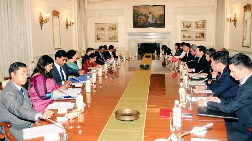 Phó Thủ tướng Phạm Bình Minh chào Tổng thống Ấn Độ, dự Đối thoại Delhi 9 - ảnh 1