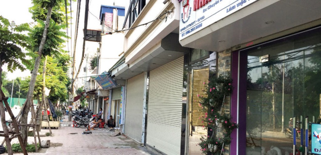 Người dân tổ 18E phường Vĩnh Tuy cho rằng, chính quyền sở tại đã thu hồi trùm lên cả đất ở lâu nay của họ