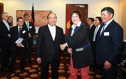 Thủ tướng Nguyễn Xuân Phúc và Bộ trưởng Brigitte Zypries. Ảnh: VGP