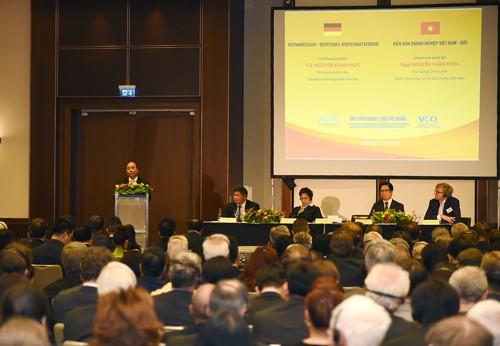 Thủ tướng chứng kiến DN Việt, Đức trao 28 văn bản hợp tác trị giá 1,5 tỷ euro - ảnh 1