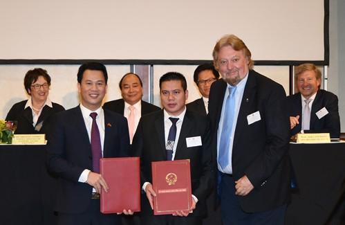 Thủ tướng chứng kiến DN Việt, Đức trao 28 văn bản hợp tác trị giá 1,5 tỷ euro - ảnh 2