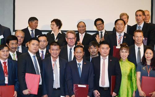 Thủ tướng chứng kiến DN Việt, Đức trao 28 văn bản hợp tác trị giá 1,5 tỷ euro - ảnh 4