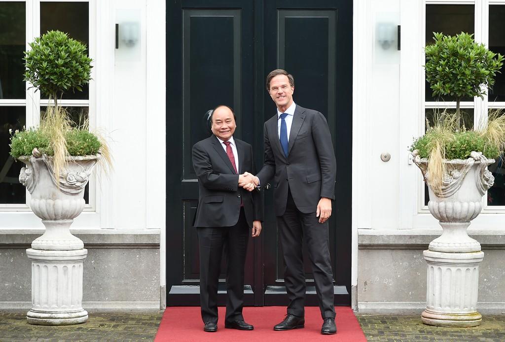 Thủ tướng Nguyễn Xuân Phúc và Thủ tướng Hà Lan Mark Rutte. Ảnh: VGP