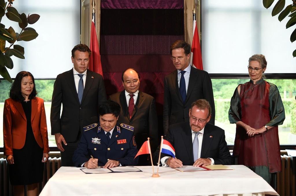 Thủ tướng Nguyễn Xuân Phúc hội đàm với Thủ tướng Hà Lan - ảnh 4