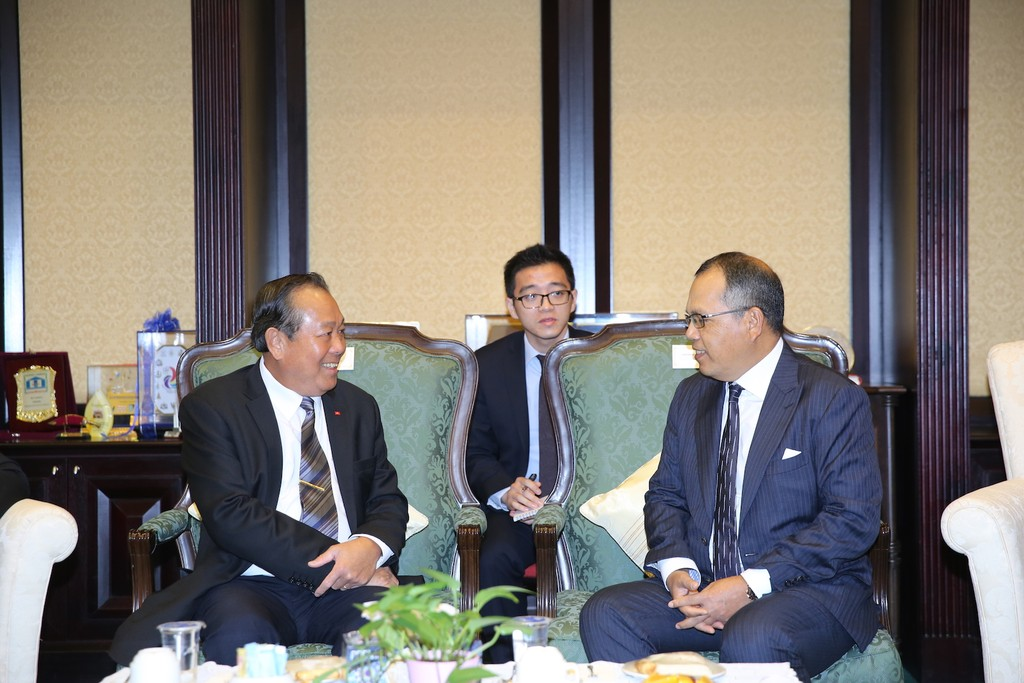 Phó Thủ tướng Thường trực Chính phủ Trương Hòa Bình và Chánh án Toà án Liên bang Malaysia Tan Sri Md Raus Sharif . Ảnh: VGP