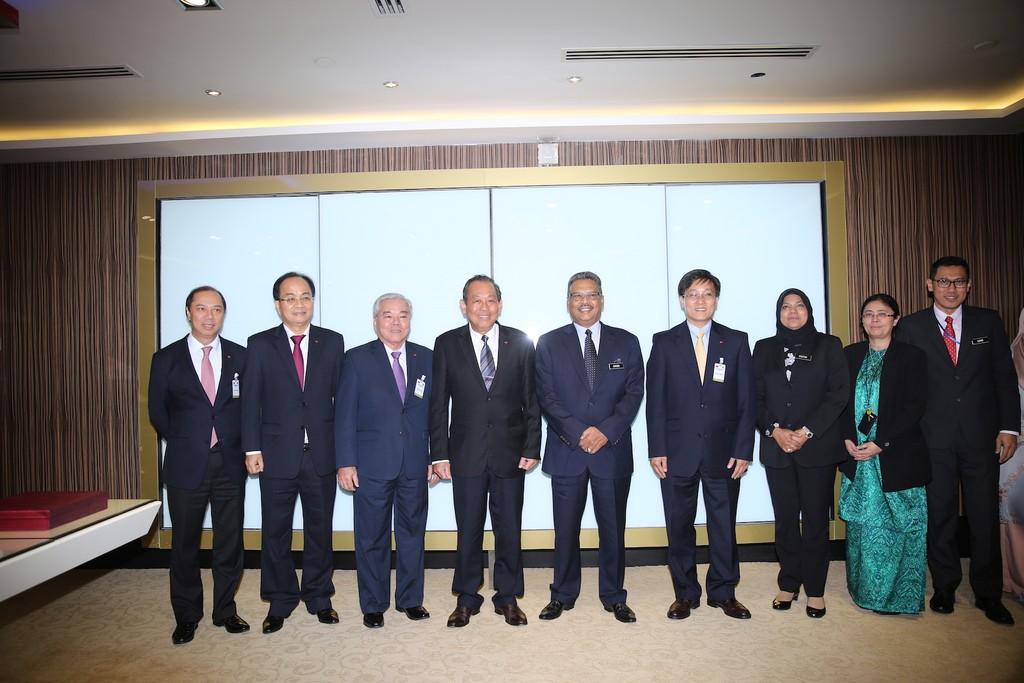 Phó Thủ tướng Trương Hòa Bình tiếp xúc Chánh án Toà án Liên bang và Tổng Chưởng lý Malaysia - ảnh 3
