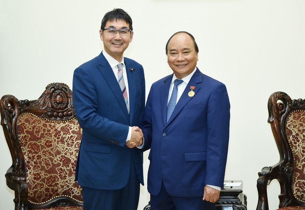 Thủ tướng Nguyễn Xuân Phúc tiếp  Hạ nghị sỹ Quốc hội Nhật Bản, Kawai Katsuyuki. Ảnh: VGP