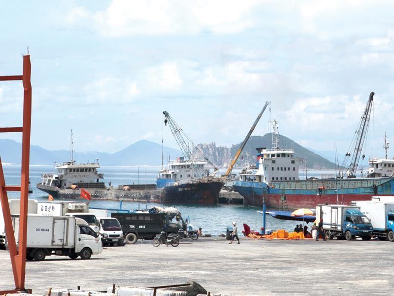 Cảng Vũng Rô là hạng mục đầu tư quan trọng của Khu kinh tế Nam Phú Yên