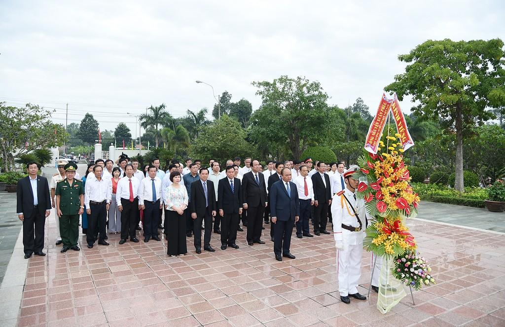 Thủ tướng làm việc với lãnh đạo chủ chốt tỉnh Bến Tre - ảnh 1