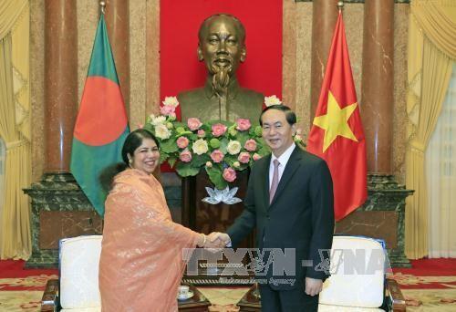 Chủ tịch nước Trần Đại Quang và Chủ tịch Quốc hội Bangladesh, bà Shirin Sharmin Chaudhury.
