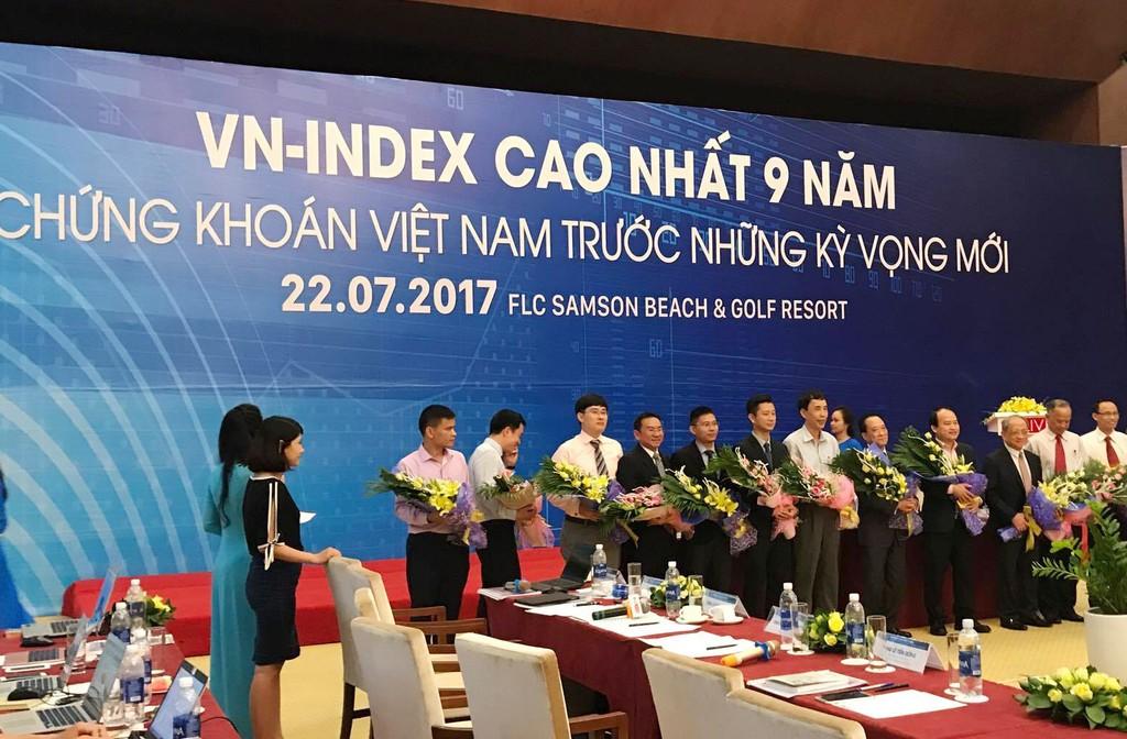 """Hội thảo """"VN - Index cao nhất 9 năm - Chứng khoán Việt Nam trước những kỳ vọng mới. Ảnh: Hoàng Việt"""