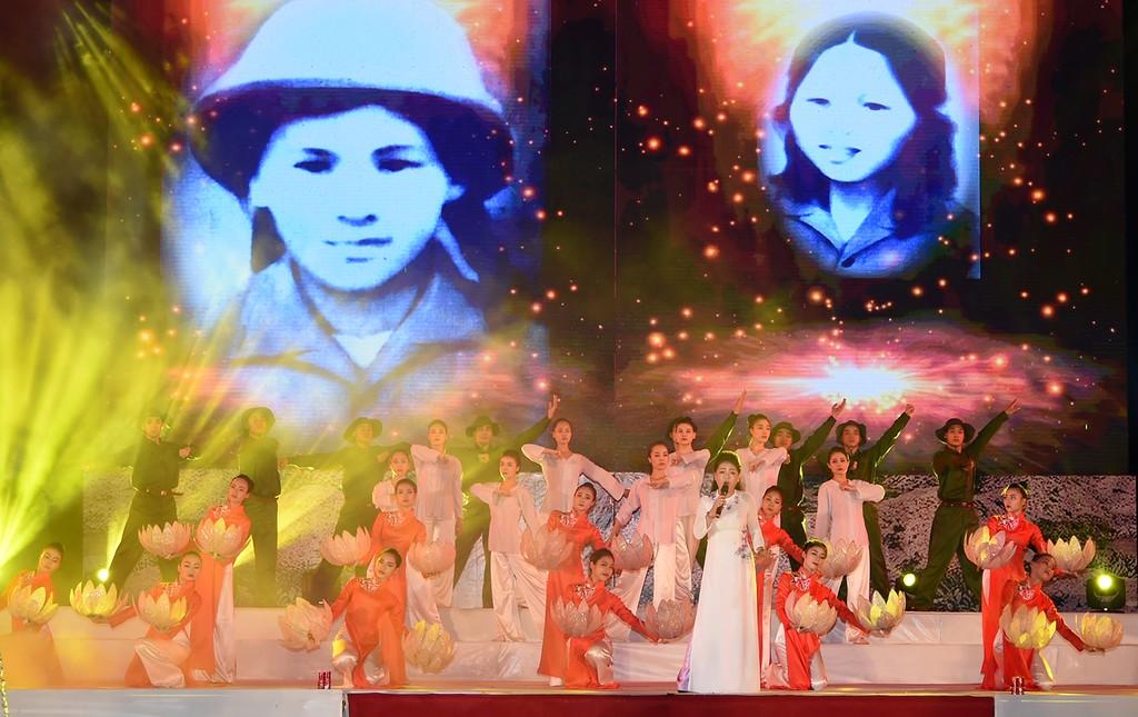 Thủ tướng dự lễ tri ân các anh hùng, liệt sĩ Ngã ba Đồng Lộc - ảnh 1