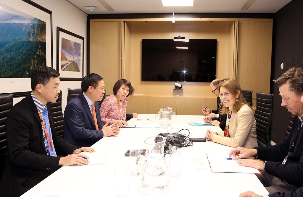 Phó Thủ tướng làm việc với Bộ trưởng Ngân khố Australia, Bộ trưởng Nội vụ bang New South Wales - ảnh 1