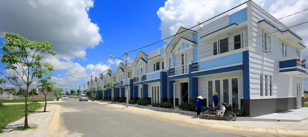 Nhà phố liên kế dự án Cát Tường Phú Sinh đang được nhiều khách hàng quan tâm.