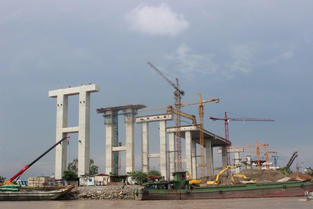 Công trình thi công cầu Bạch Đằng. Ảnh: VGP