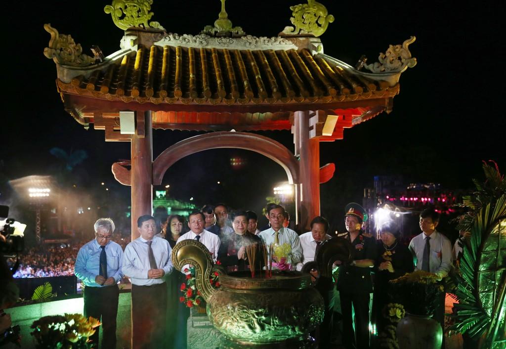 Bộ Kế hoạch và Đầu tư thăm, tặng quà các gia đình chính sách tại Quảng Trị - ảnh 9
