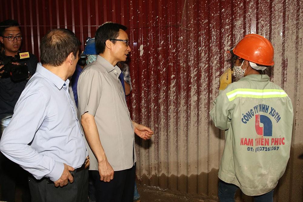 Phó Thủ tướng thị sát 'điểm nóng' sốt xuất huyết ở Hà Nội - ảnh 1