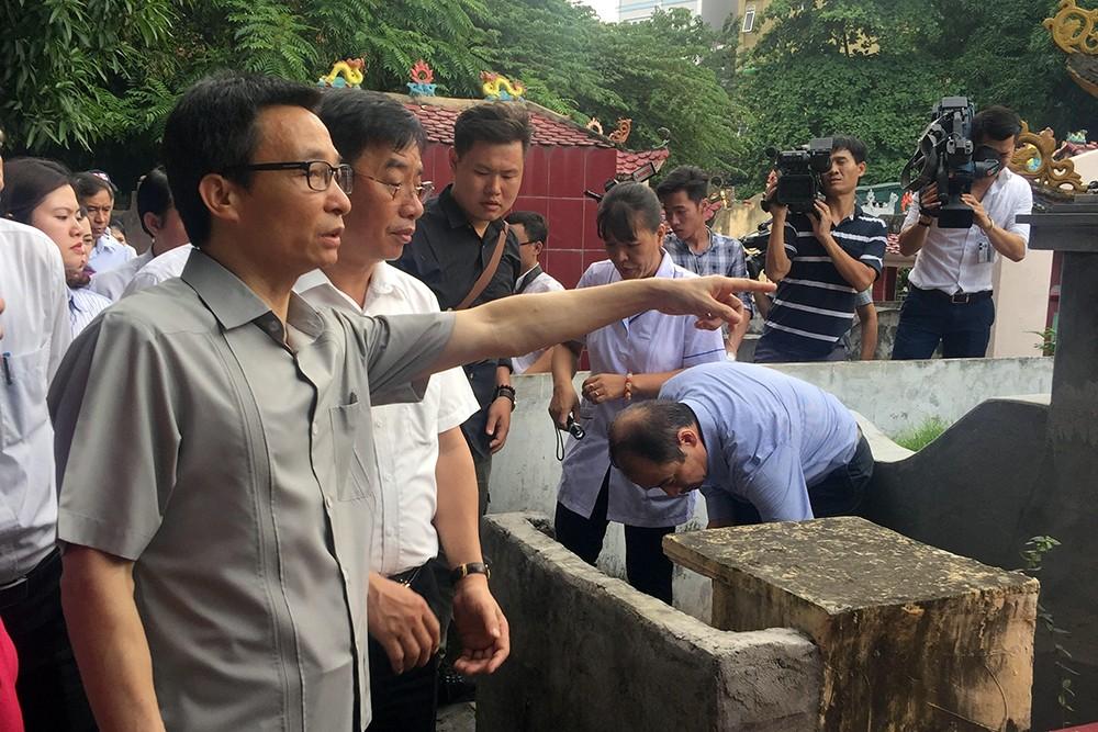 Phó Thủ tướng thị sát 'điểm nóng' sốt xuất huyết ở Hà Nội - ảnh 2