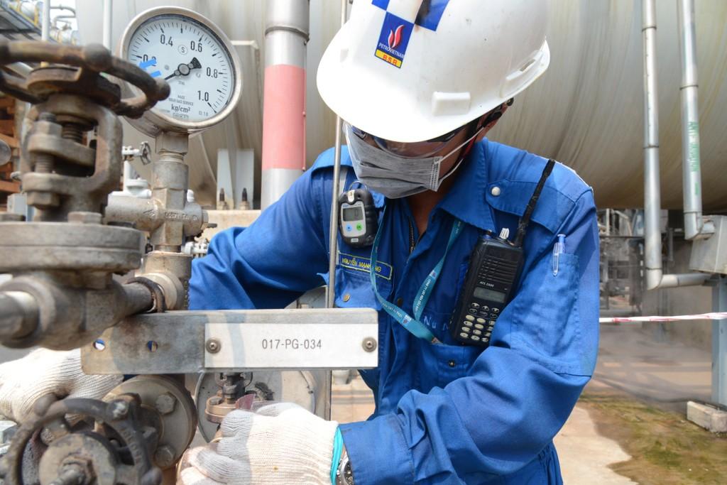 Công nhân bảo dưỡng sửa chữa BSR