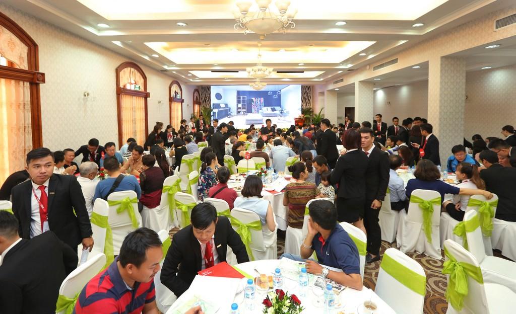 Toàn cảnh buổi công bố dự án khu dân cư xanh kiểu mẫu Thăng Long Home Hưng Phú.
