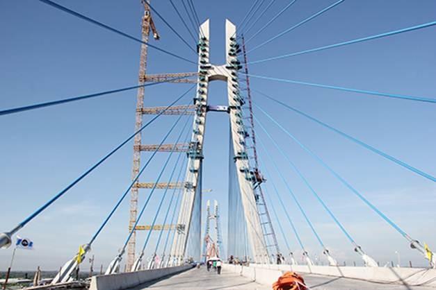Hợp long cây cầu lớn nhất Dự án kết nối đồng bằng Cửu Long