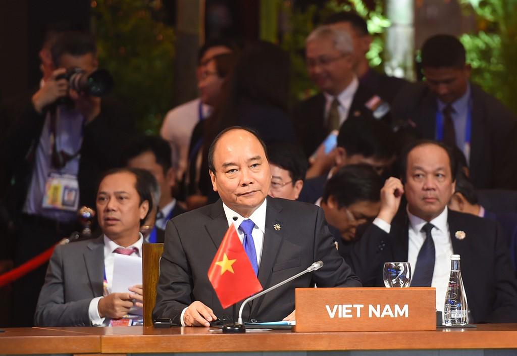 Thủ tướng Nguyễn Xuân Phúc dự và phát biểu tại EAS lần thứ 12. Ảnh: VGP