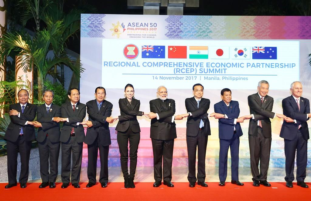 Các nhà lãnh đạo tại Phiên họp đối tác kinh tế khu vực toàn diện (RCEP). Ảnh: VGP