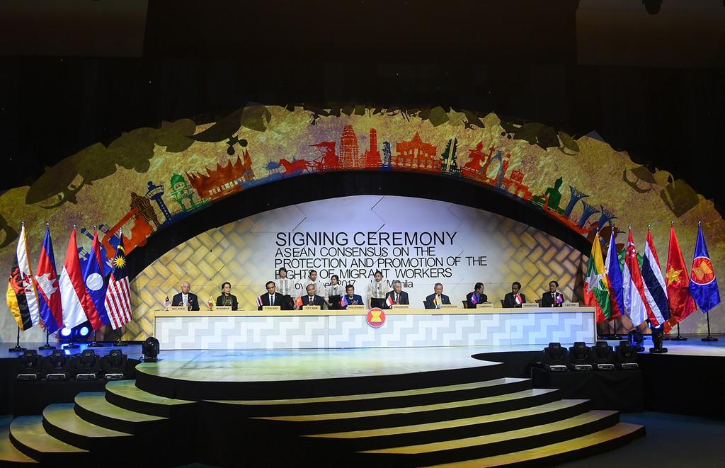 Thủ tướng dự các hoạt động bế mạc ASEAN-31 - ảnh 3