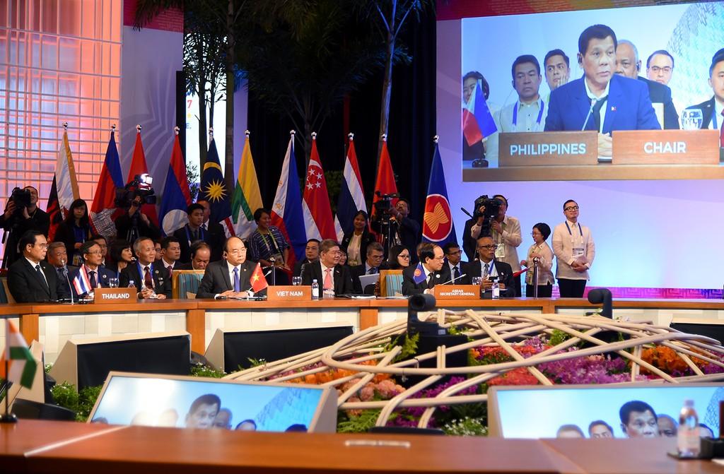 Thủ tướng dự các hoạt động bế mạc ASEAN-31 - ảnh 4