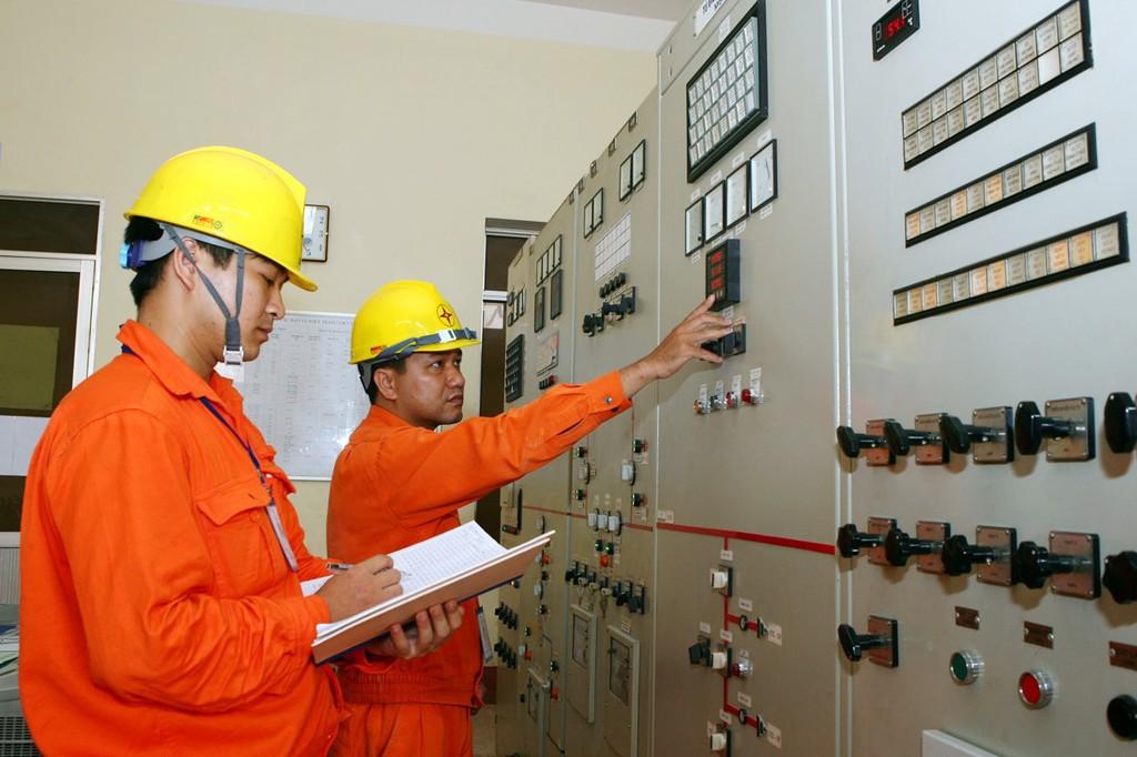 Bộ Công Thương khẳng định, kịch bản điều hành giá điện năm 2017 theo hướng hỗ trợ cho tăng trưởng kinh tế. Ảnh: Tường Lâm