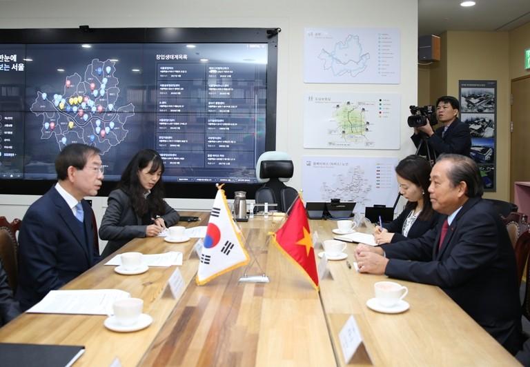 Phó Thủ tướng Thường trực Chính phủ hội kiến, tiếp xúc với lãnh đạo các bộ, ngành và Thủ đô Seoul - ảnh 4