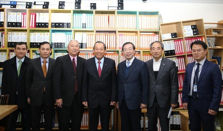 Phó Thủ tướng Thường trực Chính phủ hội kiến, tiếp xúc với lãnh đạo các bộ, ngành và Thủ đô Seoul - ảnh 5