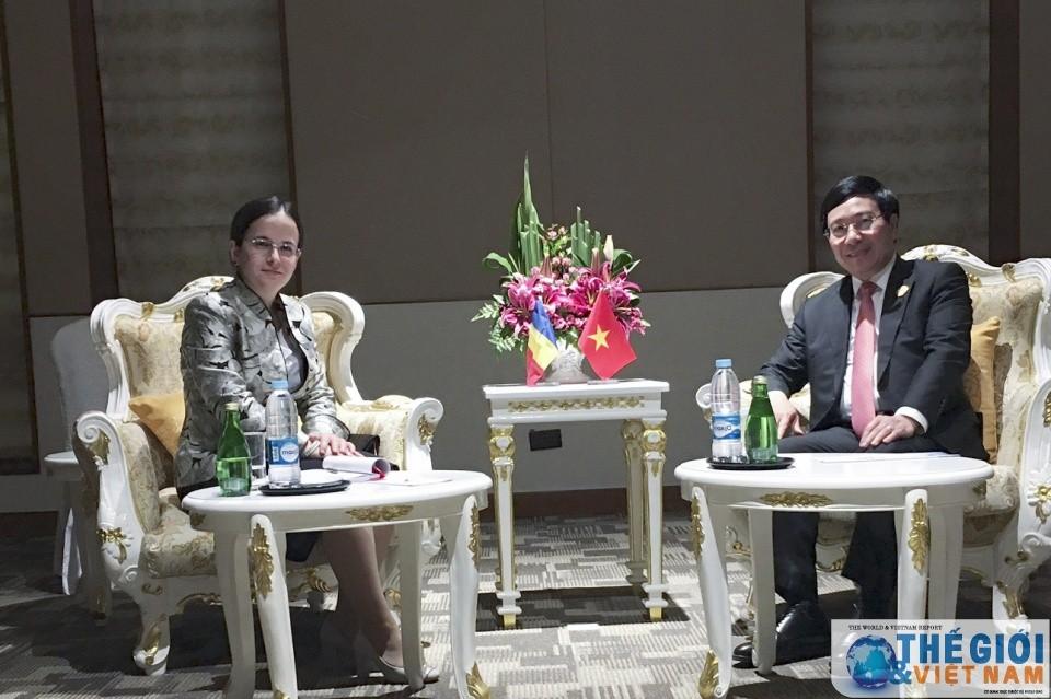 Phó Thủ tướng Phạm Bình Minh tiếp xúc song phương tại ASEM 13 - ảnh 2