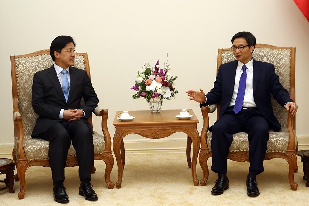 Phó Thủ tướng Vũ Đức Đam tiếp đoàn học giả Hàn Quốc. Ảnh: VGP