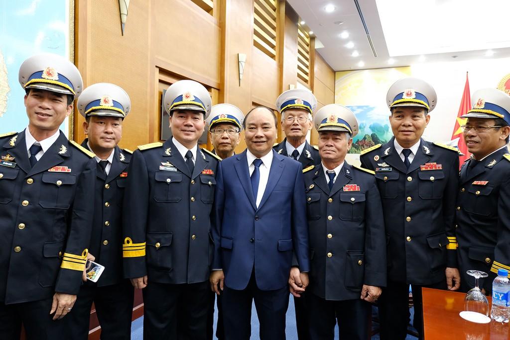 Thủ tướng gặp mặt đoàn đại biểu cựu chiến binh tàu Không số - ảnh 2
