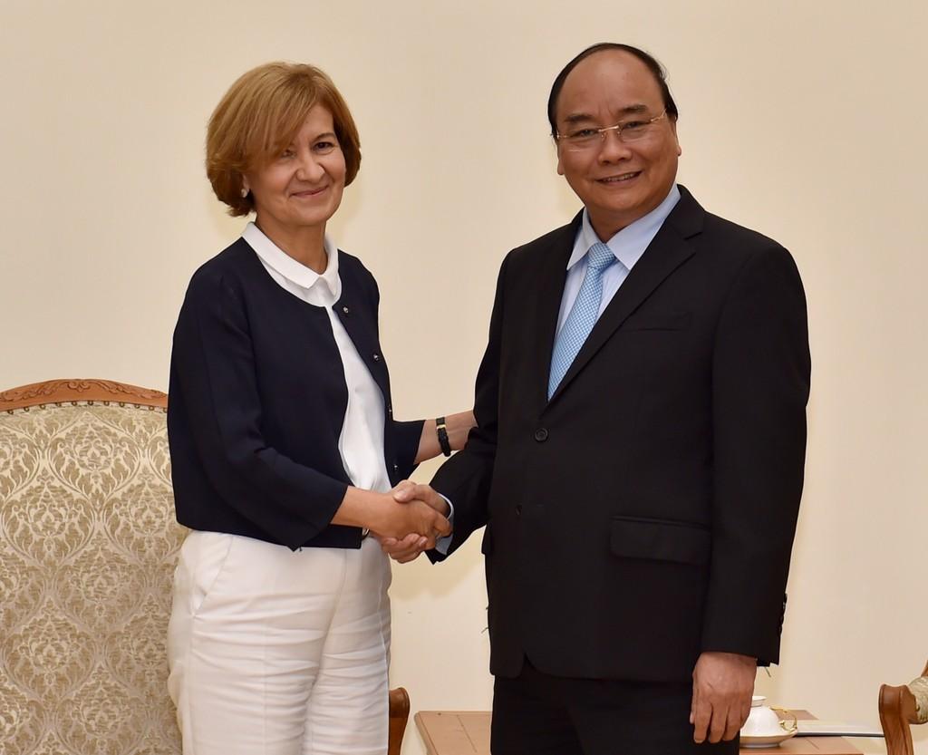 Thủ tướng Nguyễn Xuân Phúc tiếp Quốc vụ khanh Bồ Đào Nha Teresa Ribeiro. Ảnh: VGP