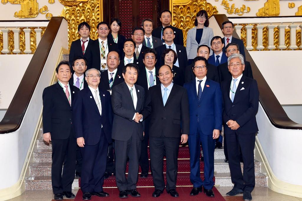 Thủ tướng Nguyễn Xuân Phúc tiếp Đoàn đại biểu OCCI do ông Hiroshi Ozaki, Chủ tịch OCCI dẫn đầu, đang có chuyến thăm Việt Nam. Ảnh: VGP