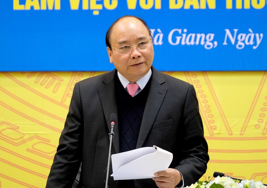 Thủ tướng Nguyễn Xuân Phúc phát biểu chỉ đạo tại buổi làm việc với lãnh đạo chủ chốt tỉnh Hà Giang. Ảnh: VGP