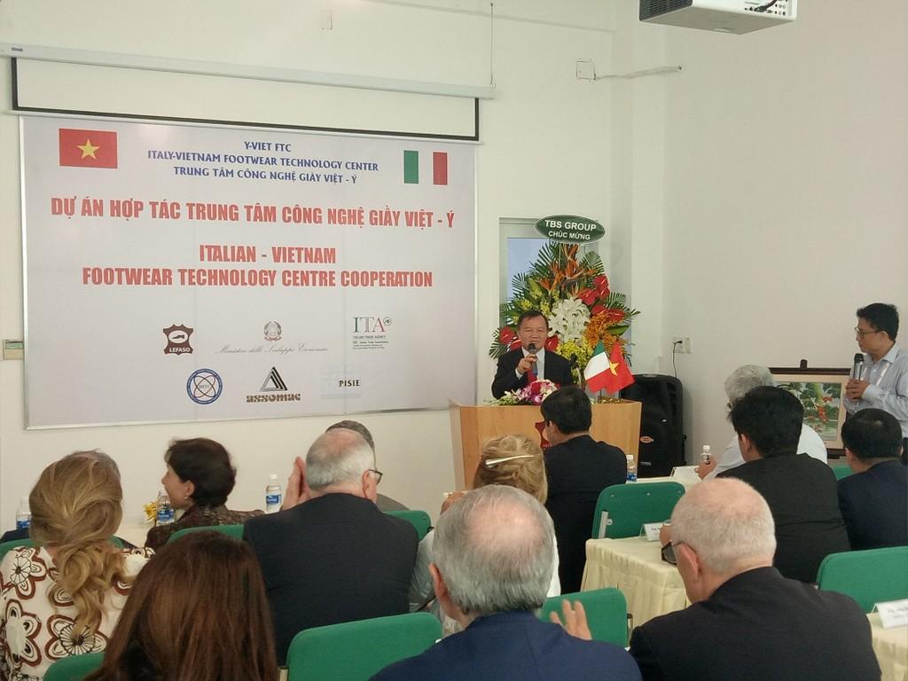 Chính phủ Italy muốn cùng Việt Nam nâng cao chất lượng sản phẩm giày da
