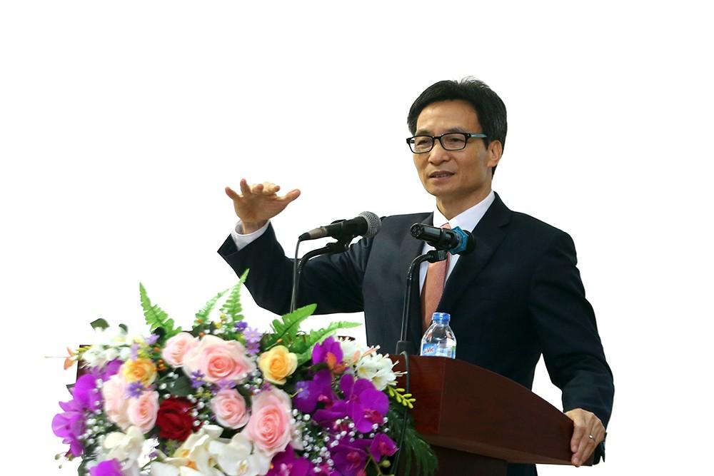 Phó Thủ tướng Vũ Đức Đam phát biểu tại cuộc gặp gỡ cán bộ, giảng viên Đại học Thái Nguyên, chiều 13/12. Ảnh: VGP