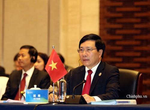 Phó Thủ tướng, Bộ trưởng Ngoại giao Phạm Bình Minh phát biểu tại Hội nghị Bộ trưởng Ngoại giao Hợp tác Mekong-Lan Thương lần thứ 3.