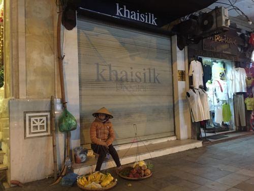 Nhiều cửa hàng Khaisilk tìm người thuê mặt bằng - ảnh 1