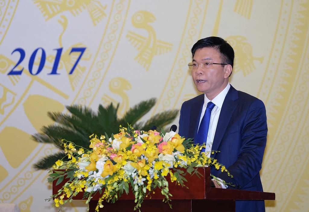 Bộ trưởng Bộ Tư pháp Lê Thành Long báo cáo tại Hội nghị trực tuyến của Chính phủ với các địa phương. Ảnh: VGP