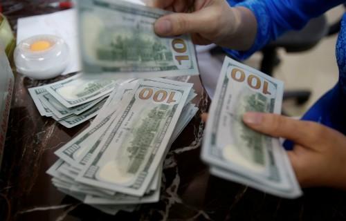 Dự trữ ngoại hối đạt gần 52 tỷ USD, mức kỷ lục năm 2017. Ảnh: Reuters.