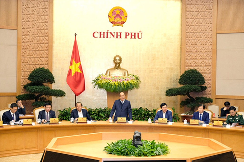 Thủ tướng chủ trì phiên họp Chính phủ thường kỳ tháng 12/2017. Ảnh: VGP