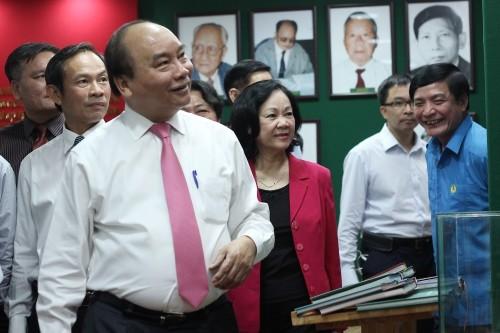 Thủ tướng Nguyễn Xuân Phúc đề nghị VRG rút kinh nghiệm từ những sai phạm giai đoạn 2006-2011.
