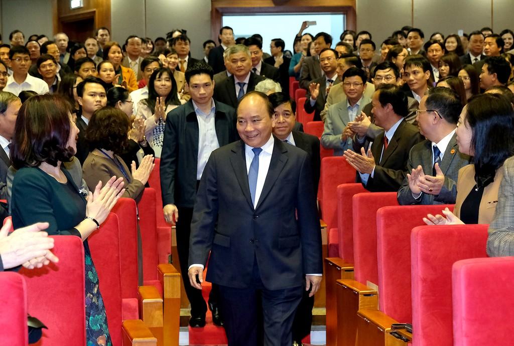 Thủ tướng Nguyễn Xuân Phúc dự Hội nghị triển khai kế hoạch công tác năm 2018 của Tổng cục Thống kê. Ảnh: VGP