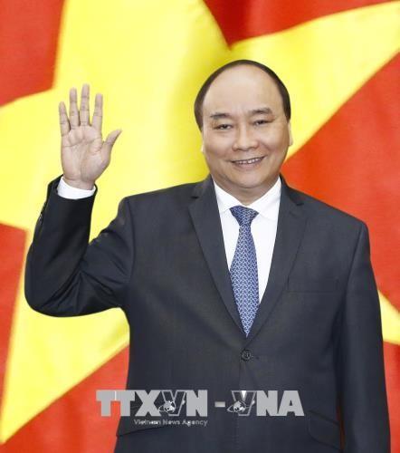 Sáng 24/1, Thủ tướng Nguyễn Xuân Phúc và Phu nhân dẫn đầu đoàn Cấp cao Việt Nam rời Hà Nội, lên đường đi Ấn Độ. Ảnh: TTXVN