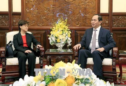 Chủ tịch nước Trần Đại Quang tiếp Đại sứ Singapore tại Việt Nam Catherine Wong Siow Ping. Ảnh: TTXVN